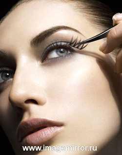 Как правильно наносить макияж при проблемной коже src=