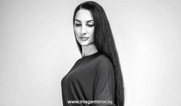 Звездная косметичка дизайнера Lia Syn