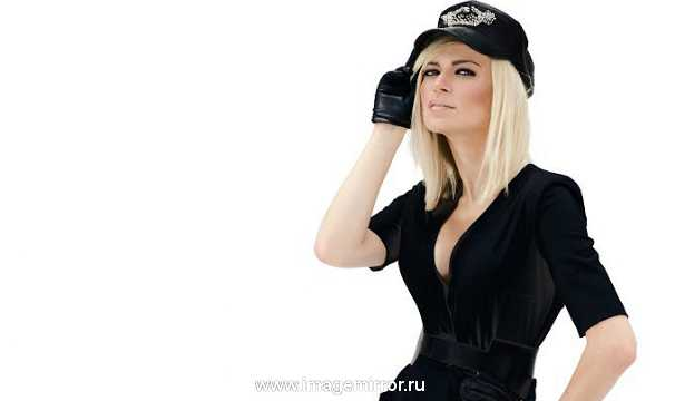 Звездная косметичка певицы Alloise