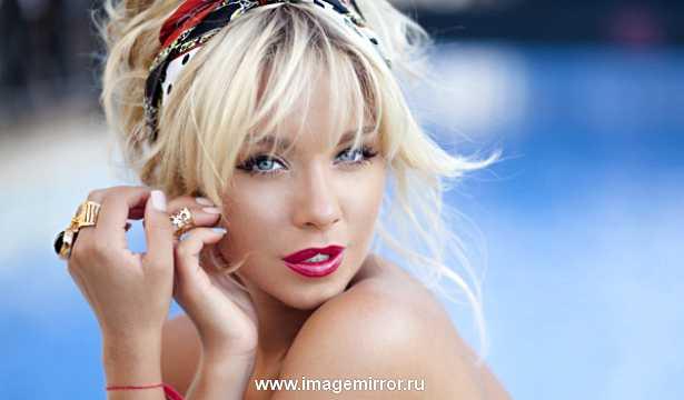 Звездная косметичка телеведущей Девушки Блонды