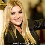 Звездная косметичка певицы Анны Павловой
