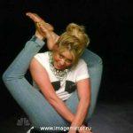 Шакира показала свои акробатические способности